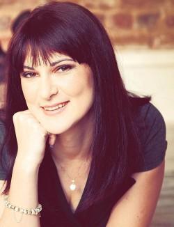 Anastasia Demi – Dozentin für Tanz und szenische Bewegung